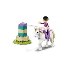 LEGO® FRIENDS Coppia di allenamento e rimorchio per cavalli