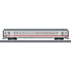 Vagone passeggeri treno veloce Intercity di DB AG in scala H0 Classe 1.