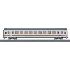 Vagone passeggeri treno veloce InterCity di DB AG in scala H0 Classe 2.